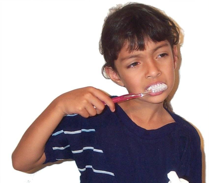 Brushing teeth04.jpg
