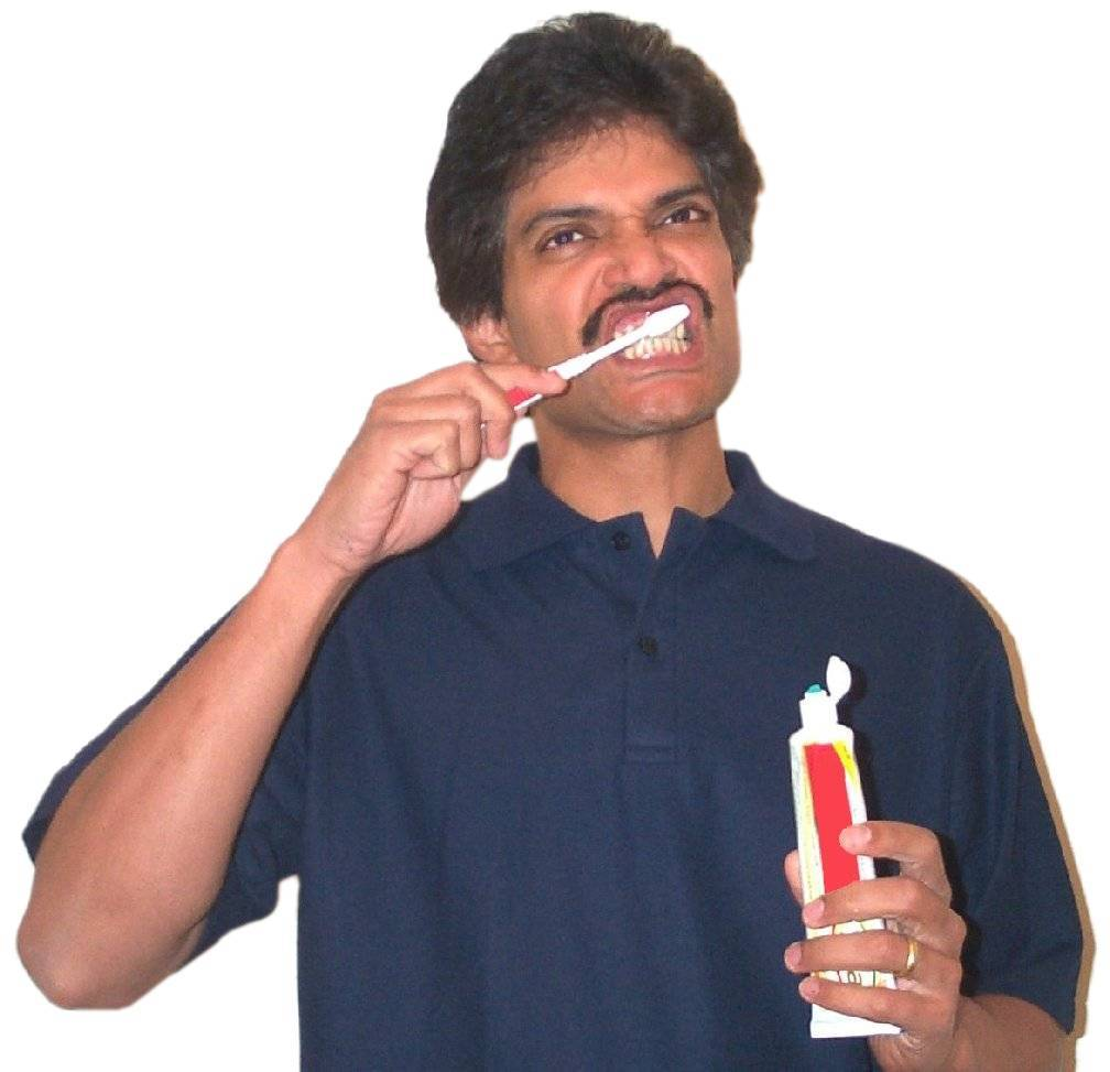 Brushing teeth05.jpg