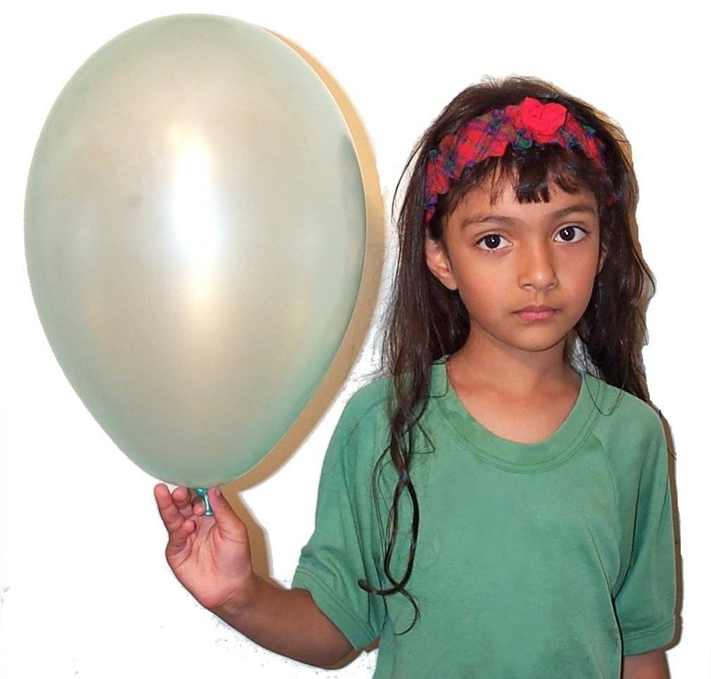 Carrying balloon2.jpg
