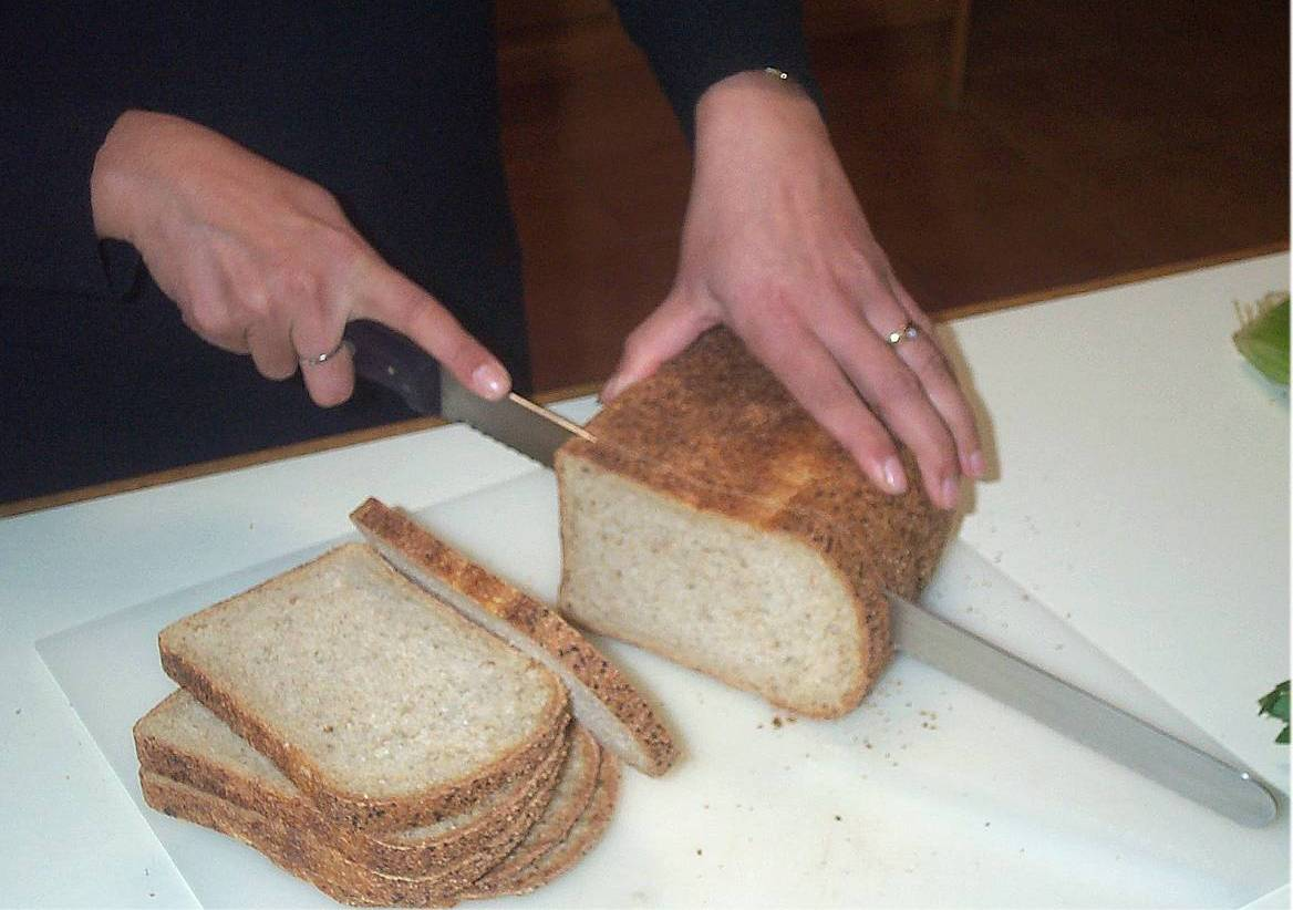 Cutting bread.jpg