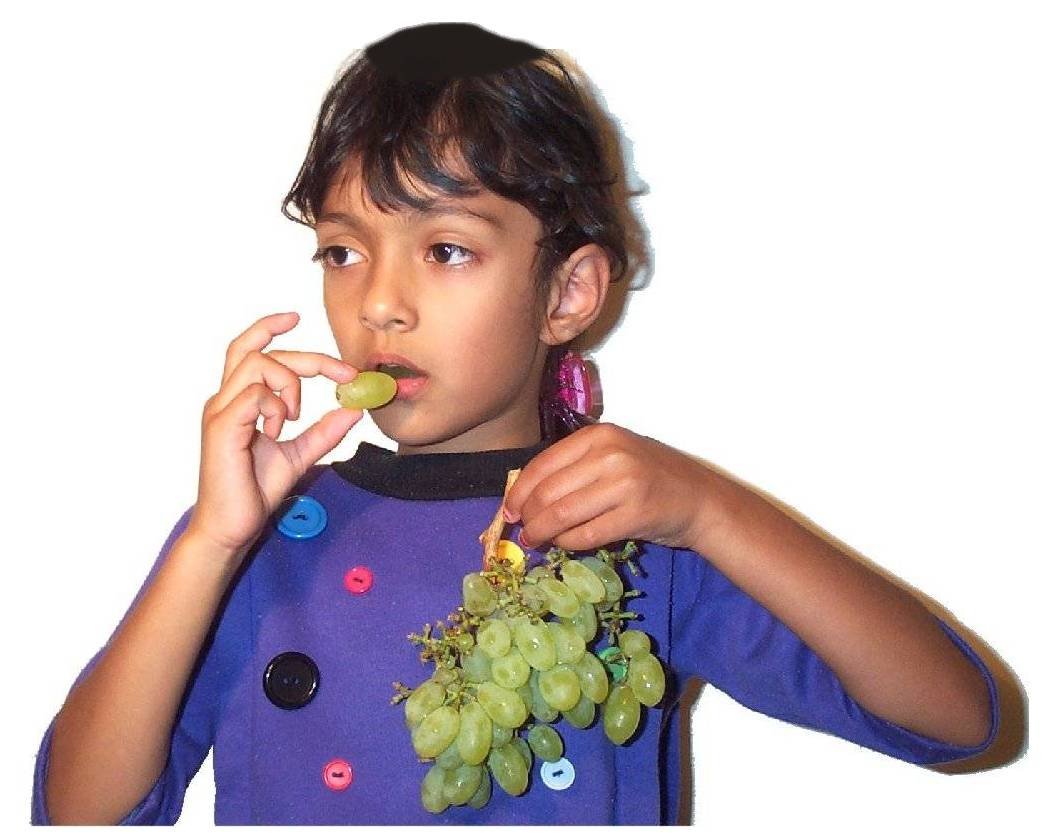 Eating grapes1.jpg