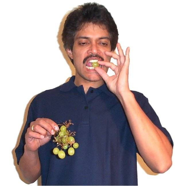 Eating grapes2.jpg