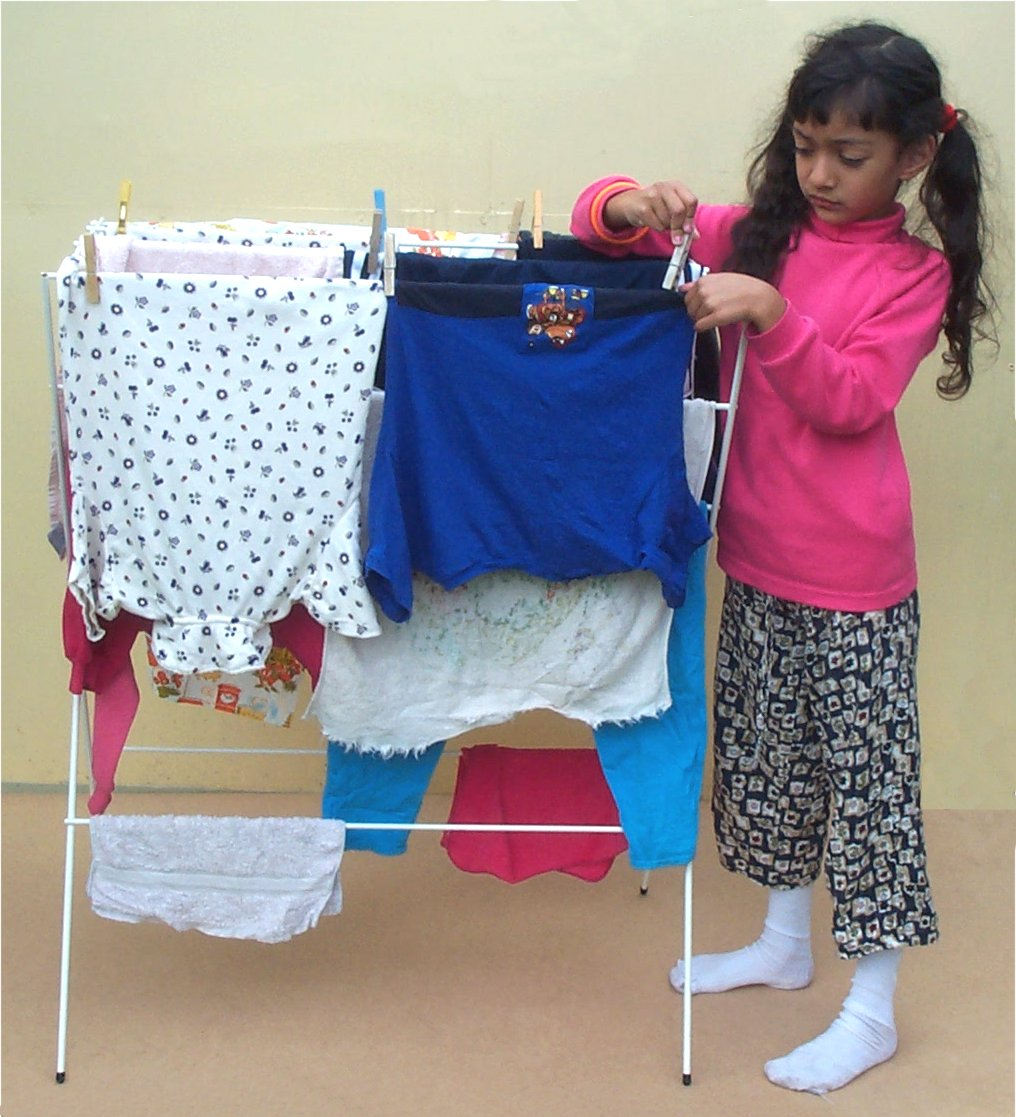 Hanging clothes to dry2.jpg