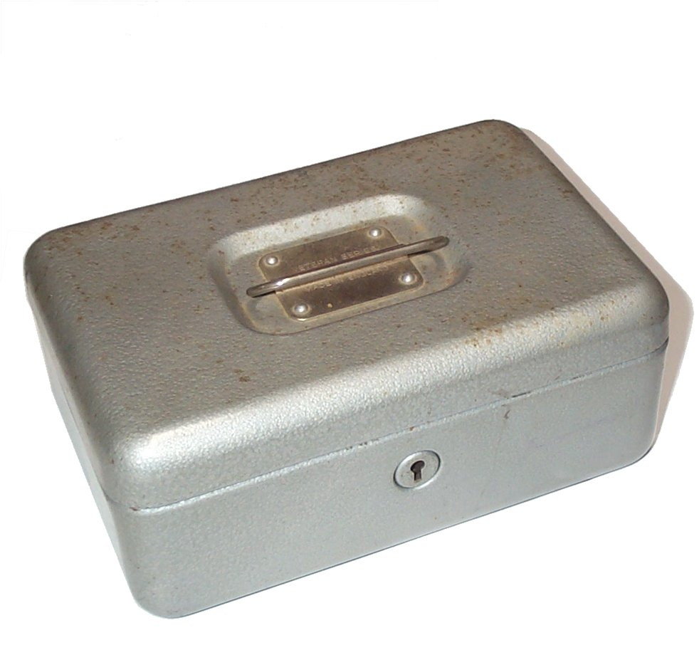 Cash box (closed).jpg