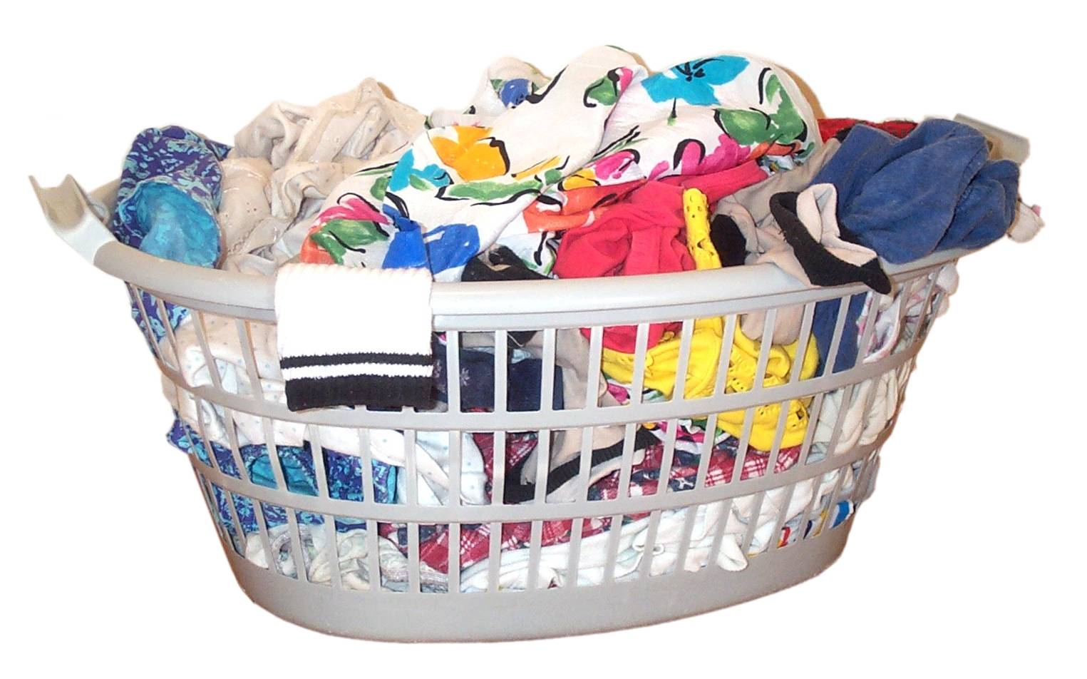 Clothes basket (full).jpg